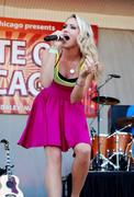 http://img22.imagevenue.com/loc178/th_87993_Emily_Osment_2010___Taste_of_Chicago_concert_260610_003_123_178lo.jpg
