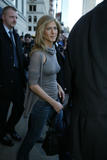 Jennifer Aniston Hard nips outside Letterman Foto 179 (Дженнифер Анистон Жесткий НПВ вне Letterman Фото 179)