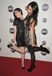 http://img22.imagevenue.com/loc259/th_13739_Lucy_Hale_Disney_Winter_Press_Tour_029_122_259lo.jpg
