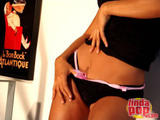 Andrea  Rincon (Selena Spice) Striptease Segunda Prenda foto 6