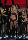 http://img22.imagevenue.com/loc795/th_90994_celeb-city.eu_Britney_Spears_2007_MTV_Video_Music_Awards_Show_12_122_795lo.jpg