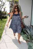 th_04703_halle_berry_at_ann_sacks_tile_store_15may07_16_122_865lo.jpg