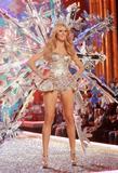 th_01195_Victoria_Secret_Celebrity_City_2007_FS523_123_913lo.JPG